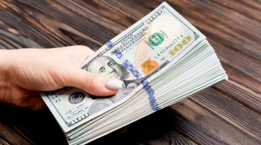 الدولار الامريكي يستقر بالقرب اعلى الدولار-با�